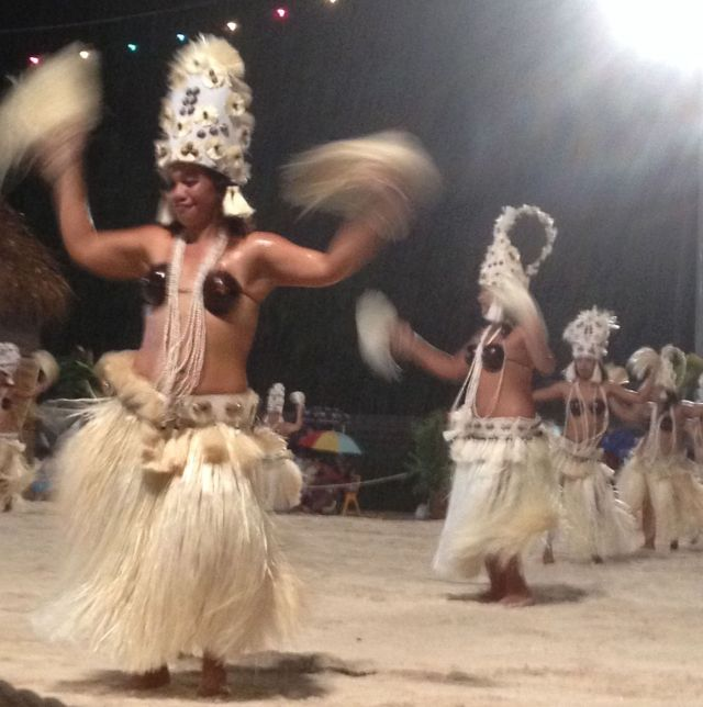 1. Even with rain pouring down, the Tiipoto dancers joyously performed their dances at the Bora Bora Heiva